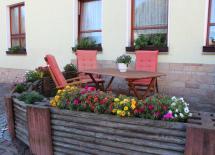 Sitzecke am Landhotel zum Baier